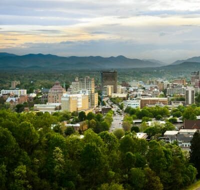 Explore Asheville, The Lion and the Rose